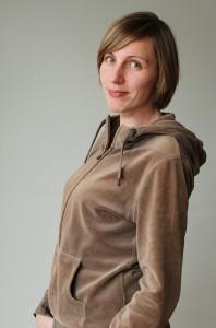 Valmentajana toimiva Sandy Talarmo on koulutukseltaan sosionomi, life coach ja ammattijärjestäjä.