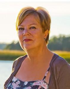 Anja Kulovesi on tietokirjailija ja Kiireenkesytys-konseptin luoja.