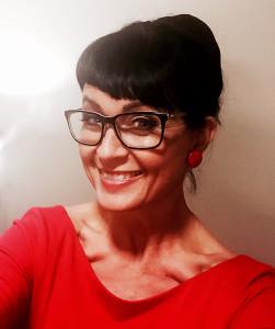 Maaretta Tukiainen on tietokirjailija ja valmentaja, jonka ajattelu perustuu positiiviseen psykologiaan.