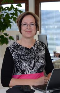 Heli Nurmi on psykologi ja psykoterapeutti, joka on perehtynyt työuupumukseen.