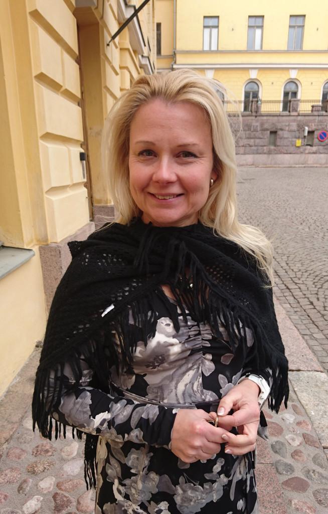 Marja Innanen toimii apulaispääsihteerinä ja neuvottelevana virkamiehenä Valtioneuvoston kansliassa.