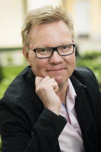 Tutkimusprofessori Jari Hakanen on tutkinut muun muassa työn iloa ja uupumusta.